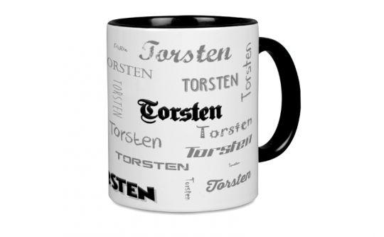 Schwarze Tasse mit Ihren Namen in verschiedenen Schriften