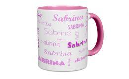 Rosa Tasse mit Ihren Namen in verschiedenen Schriften