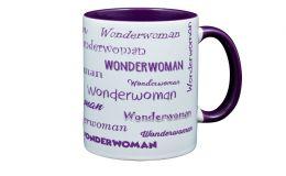 Lila Kaffee-Becher mit Deinem Namen bedruckt